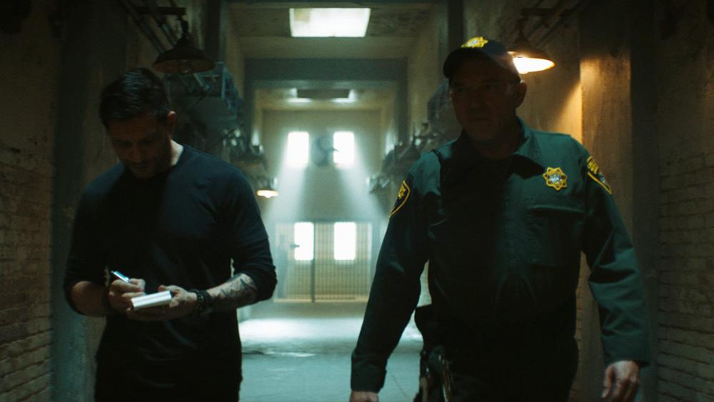 Эдди Брок приходит в тюрьму к Клетусу Кессиди