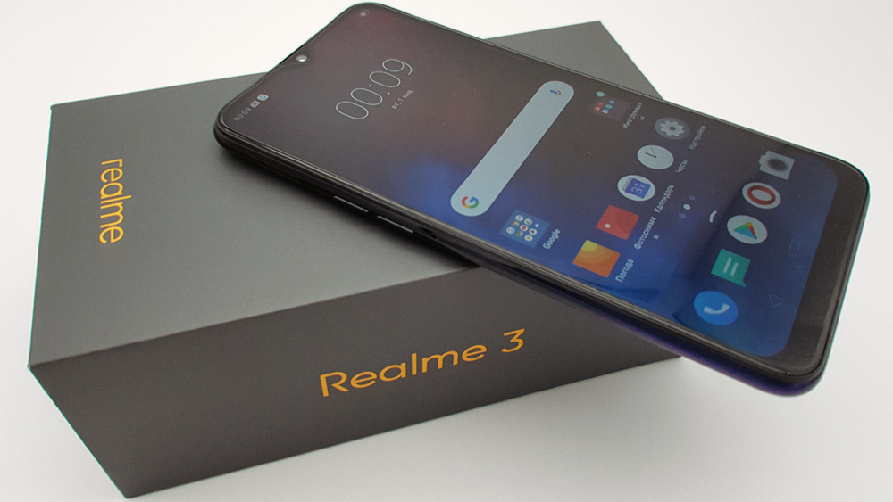 Смартфон realme 3