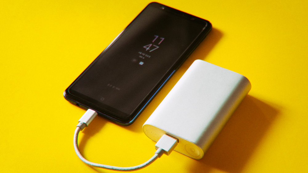 Какой срок службы у батареи смартфона?