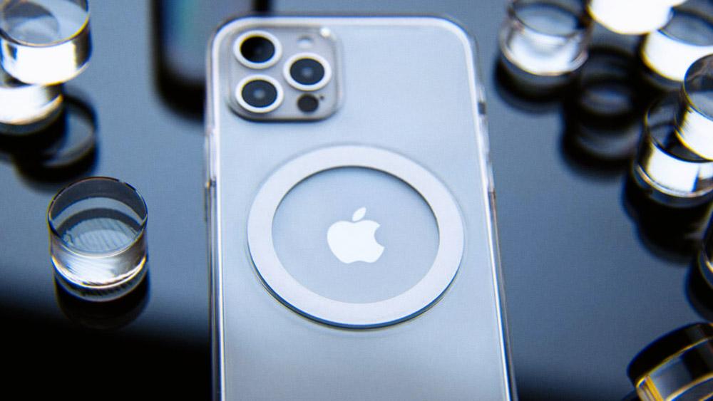 Чехол для iPhone 12 - SwitchEasy MagClear